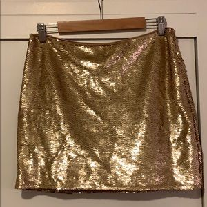 NWT Forever 21 Gold Sequin Mini Skirt Size Medium
